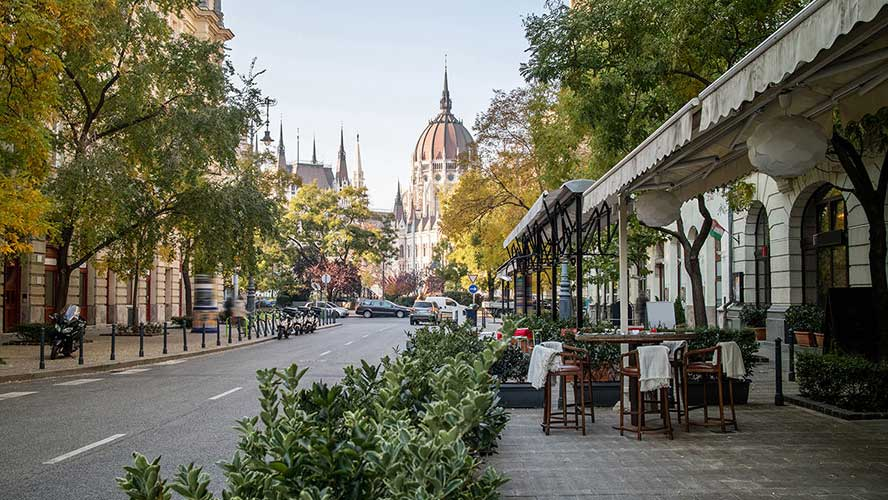 street-and-cafe-in-hungary