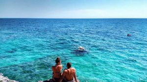 croatia_couple_beach_worldvia